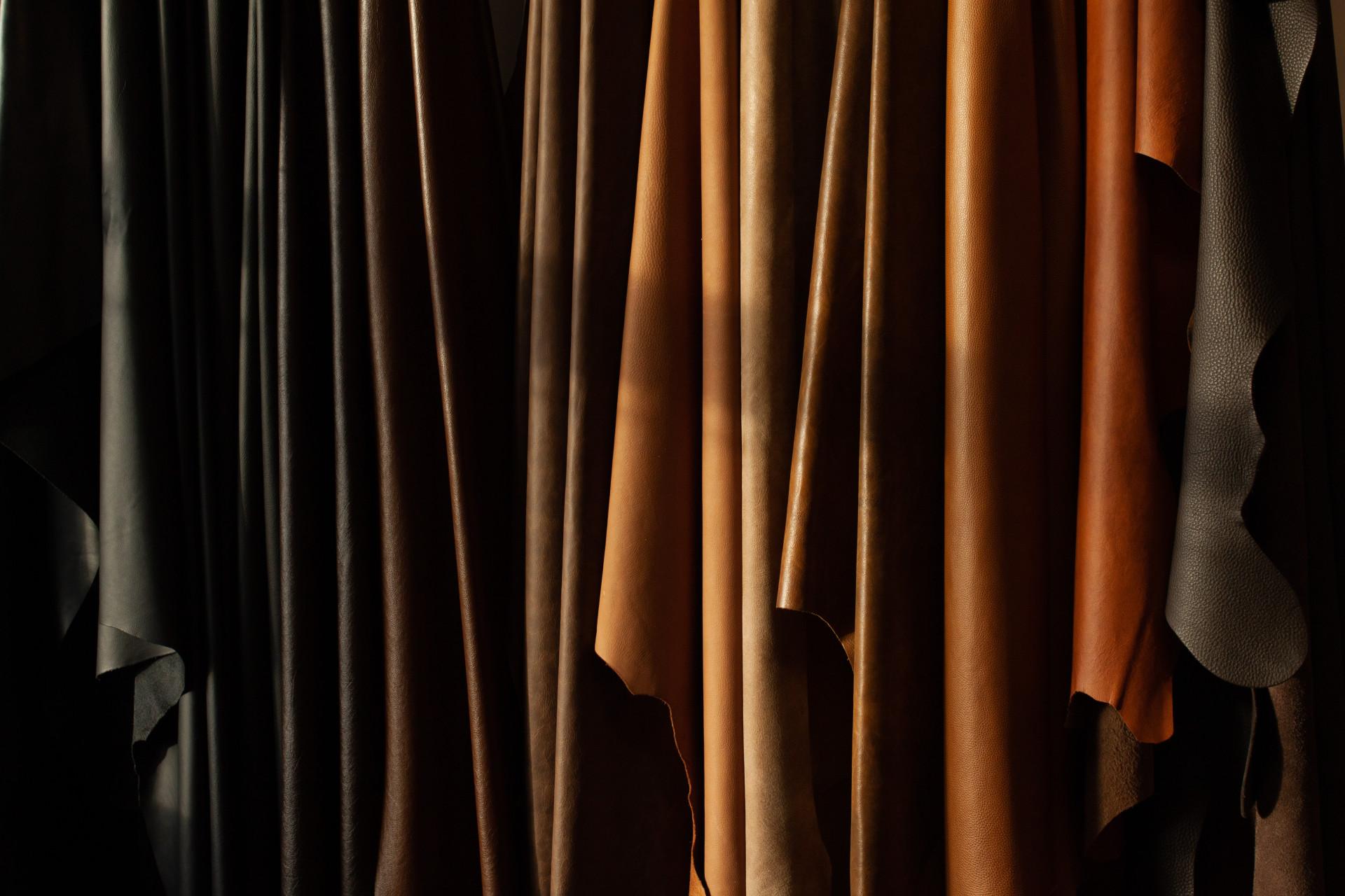 Finest Italian leather - EN